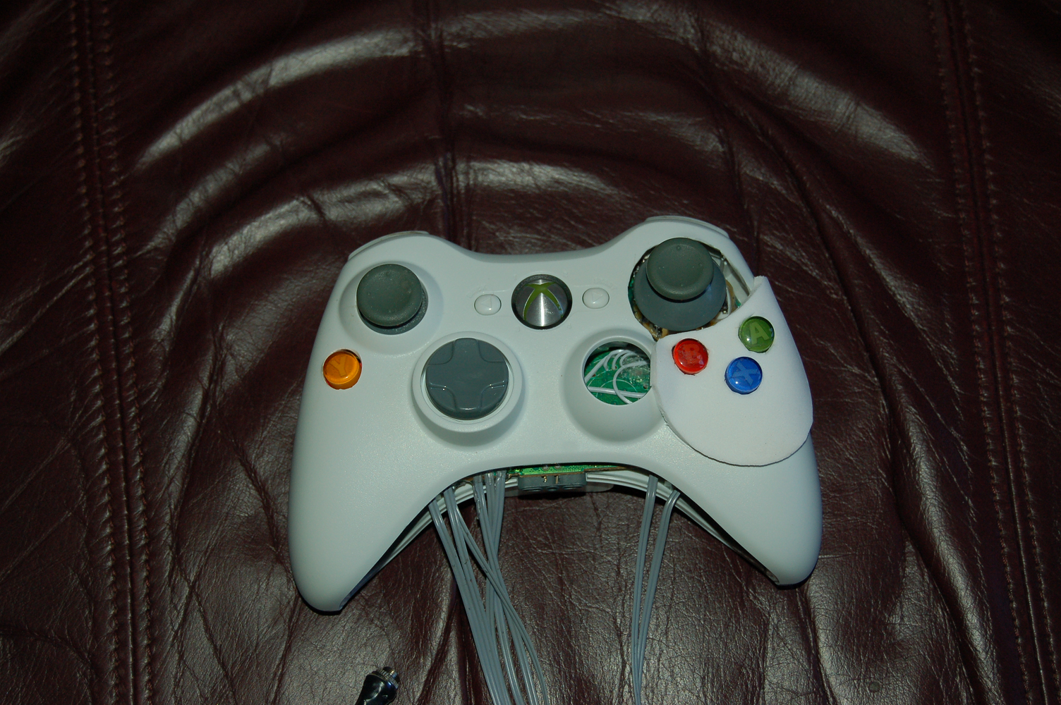 Photo of the final modified Xbox 360 controller